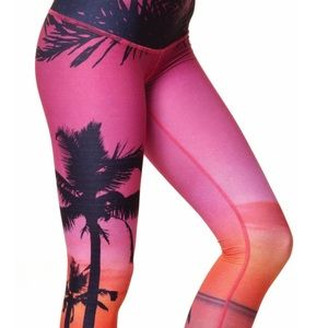 TEEKI YOGA LEGGINGS!!!